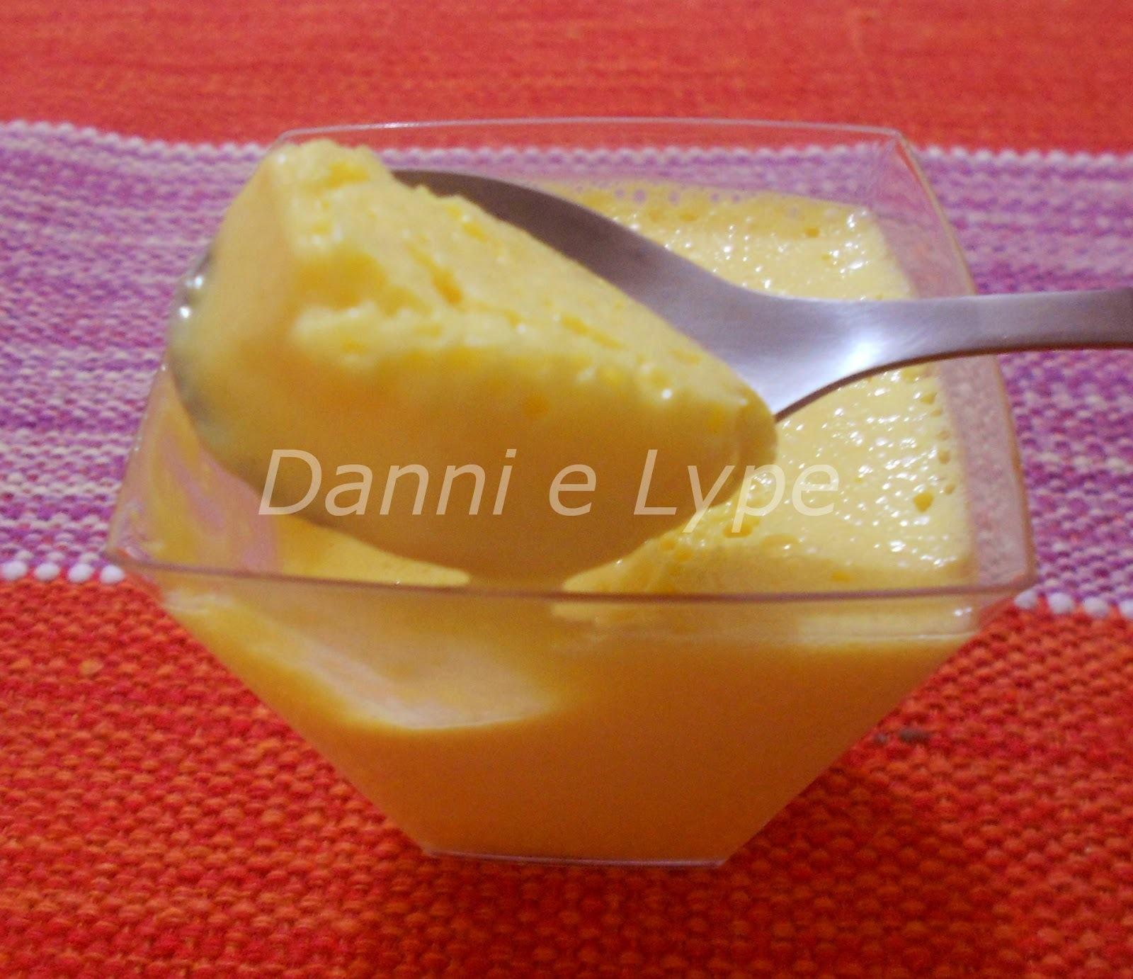 mousse de maracuja com a fruta do maracuja sem gelatina
