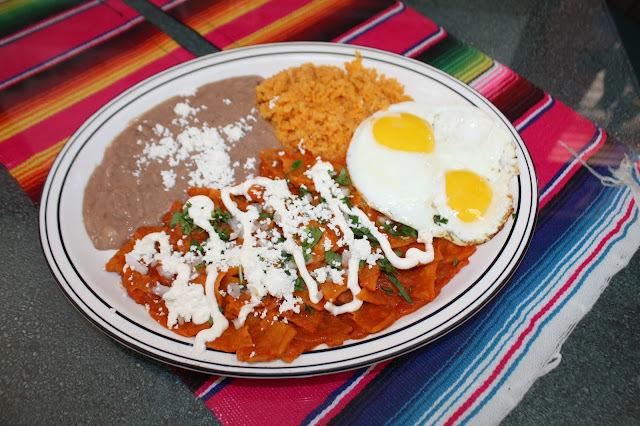 Chilaquiles Rojos - Sabor a Mexico