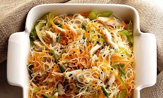 Bifum (macarrão de arroz) com legumes e frango SEM GLÚTEN