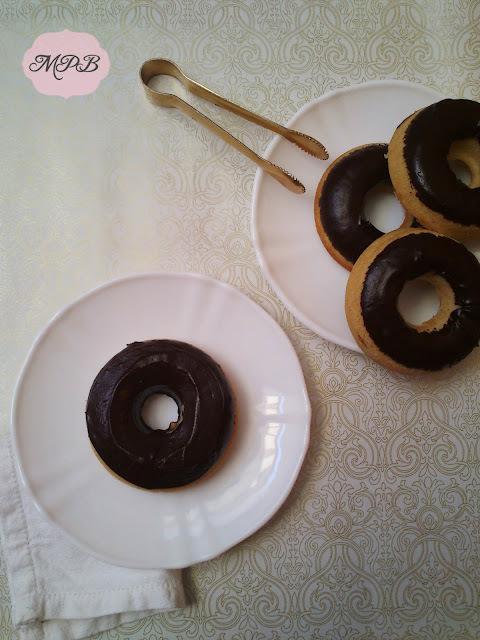 Mini Donuts de canela con chocolate al horno