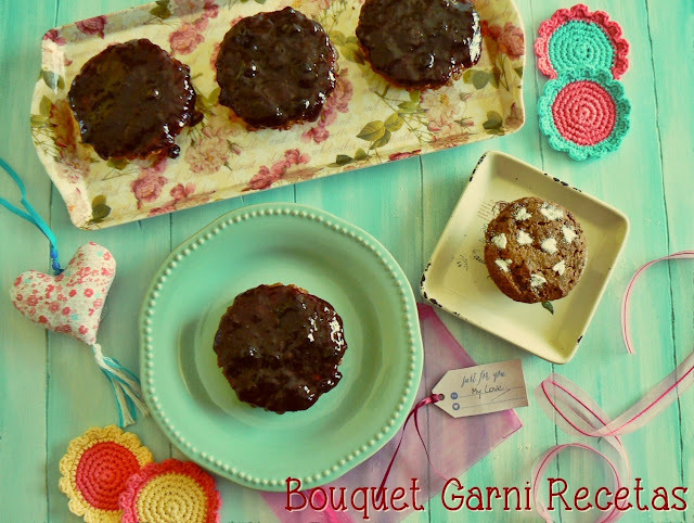 Minicakes de algarroba y nueces