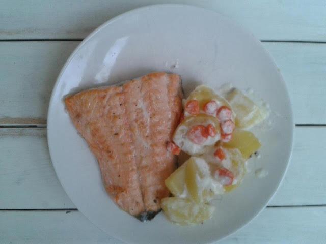 Salmon con patatas y crema