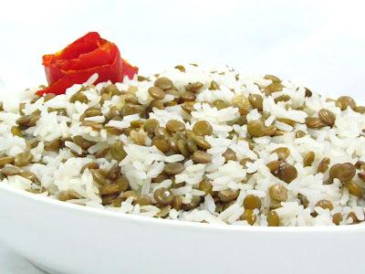 lentilha com linguiça e arroz bacon