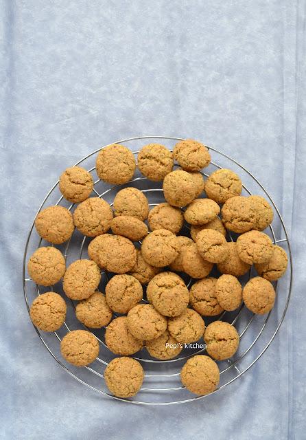 Μπισκότα με Αλεύρι Φαγόπυρου, Αμύγδαλο, Κουρκουμά και άλλα Μπαχαρικά