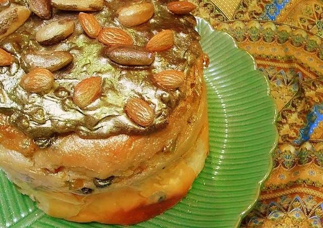 Panetone Praliné de Amêndoas, Damasco, Chocolate e Sorvete