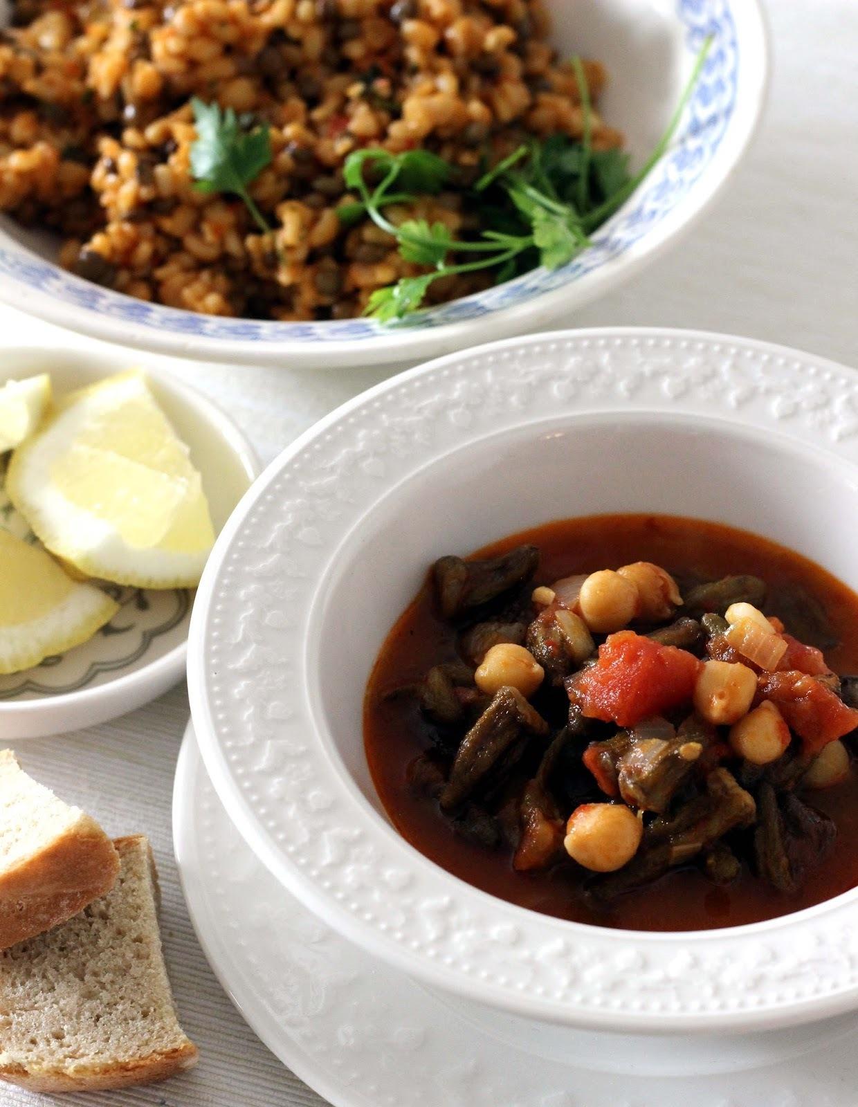 Bamya/Okra dusená s paradajkami a cícerom