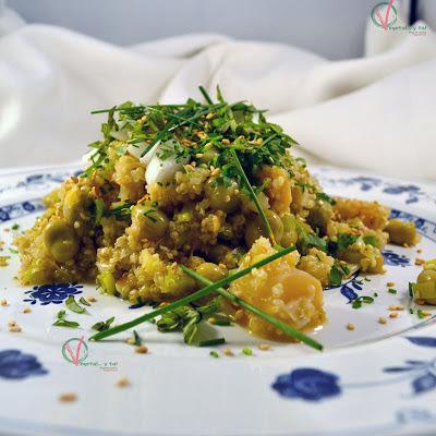 Ensalada de quinoa, espárragos y habitas