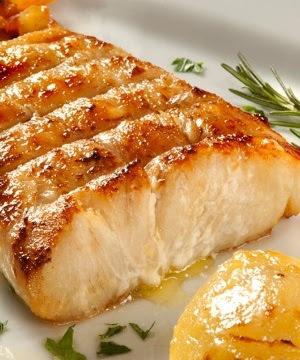 peixe bonito assado na brasa