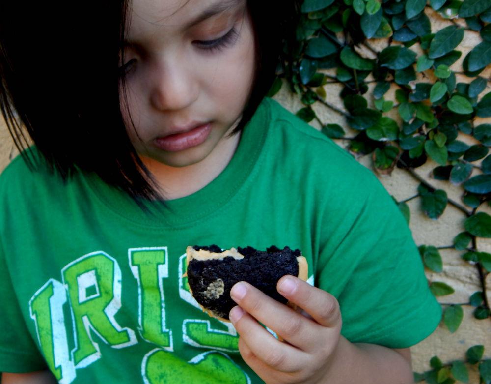 Whoopie Pies Rellenos de Crema de Cajeta     {Feliz Día del Niño}