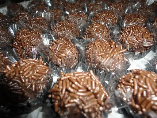 Brigadeiro gourmet de chocolate ao leite