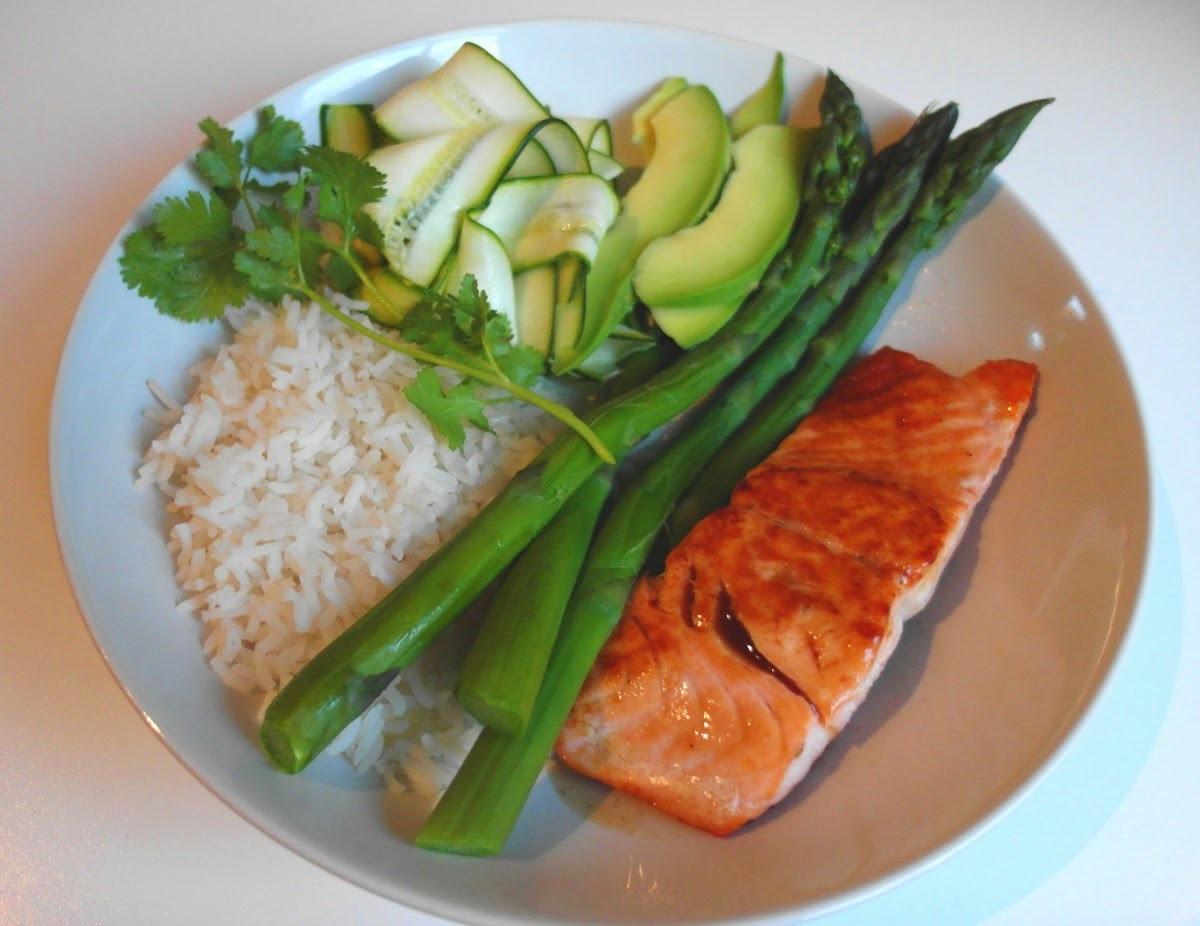 Expresná večera: teriyaki losos so sexi zelenou prílohou