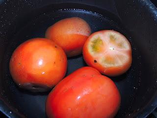 Lasanha de abobrinha e molho de tomate caseiro