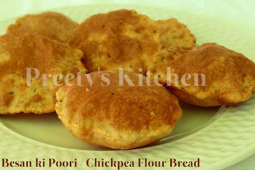 Besan Ki Poori / Chickpea Flour Bread