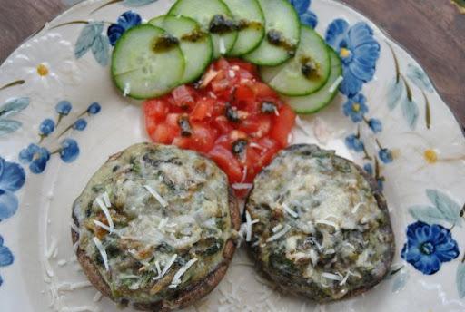 Portobello šampiňóny plnené syrovým špenátom