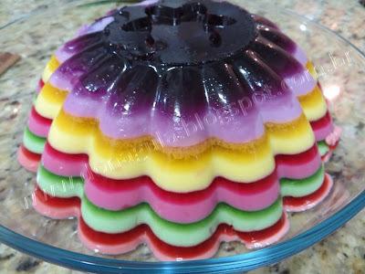 pudim de gelatina colorida simples
