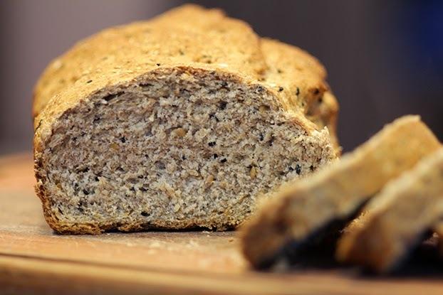 Pão integral com cereais