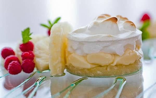 Torta de abacaxi com leite condensado