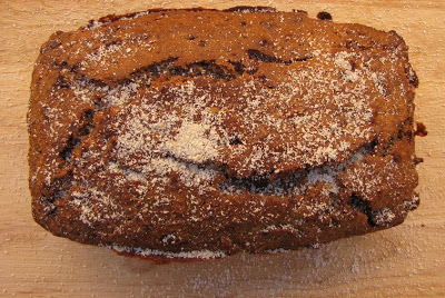 BUDÍN CON CHOCOLATE, BANANAS, NUECES Y MIEL