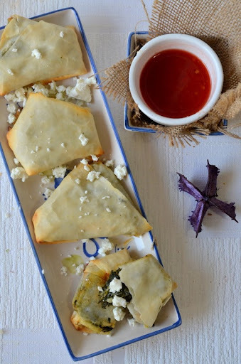 Spinach and Feta Cheese Parcels : Baked Palak Samosa