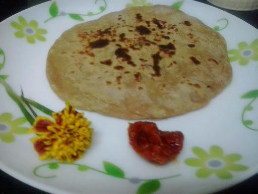 Spring onion paratha |paticha kanda (pyaj) ke stuffed parathe
