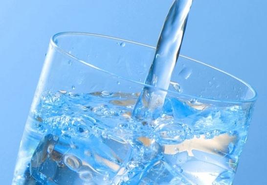 Quanto de água devemos ingerir diariamente?