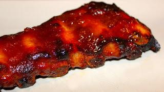 B85 - BBQ Ribs ou Travers de porc mariné et grillé