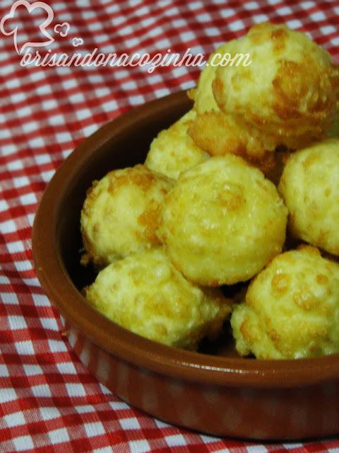 Bolinhas de queijo 3 ingredientes