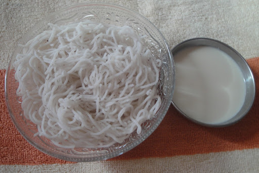 Akki Shavige/Ottu Shavige Recipe/(Idiyappam String Hopper Recipe)
