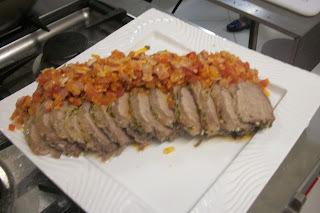 de carne assada no forno com sal grosso contra file