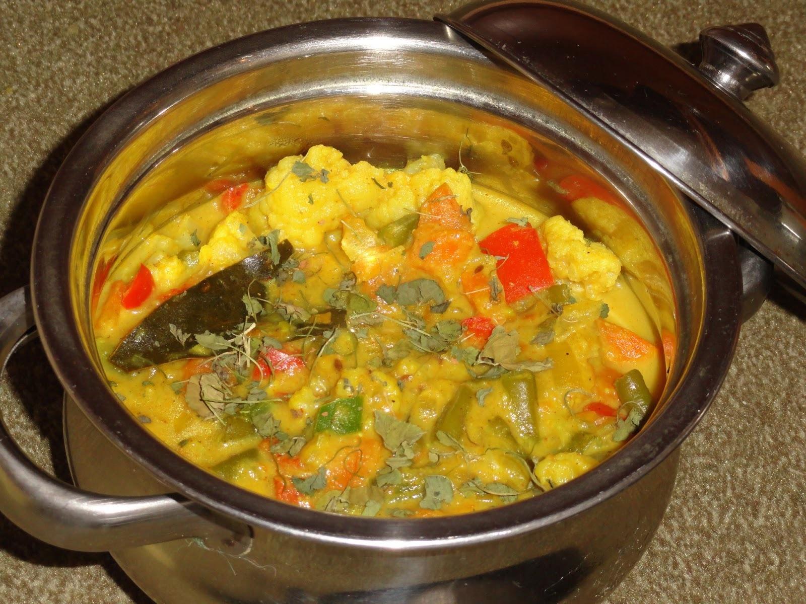 Spicy Navaratan Kurma/Vegetable Kurma