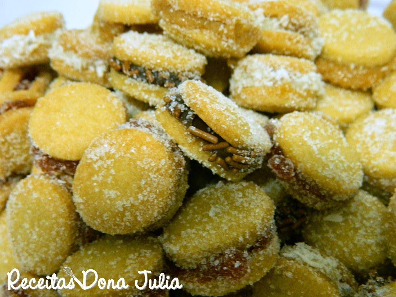 de biscoito doce de polvilho recheado com goiabada