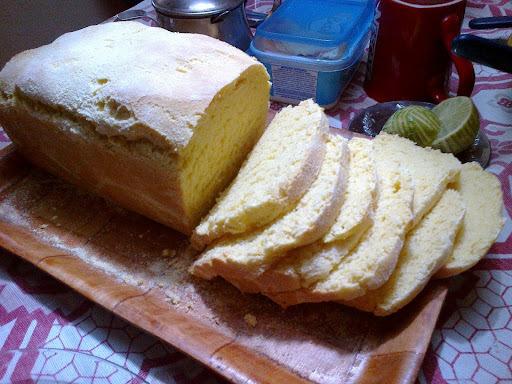 Pão de Milho na Máquina de Fazer Pão (MFP)... É o Prato do Dia!