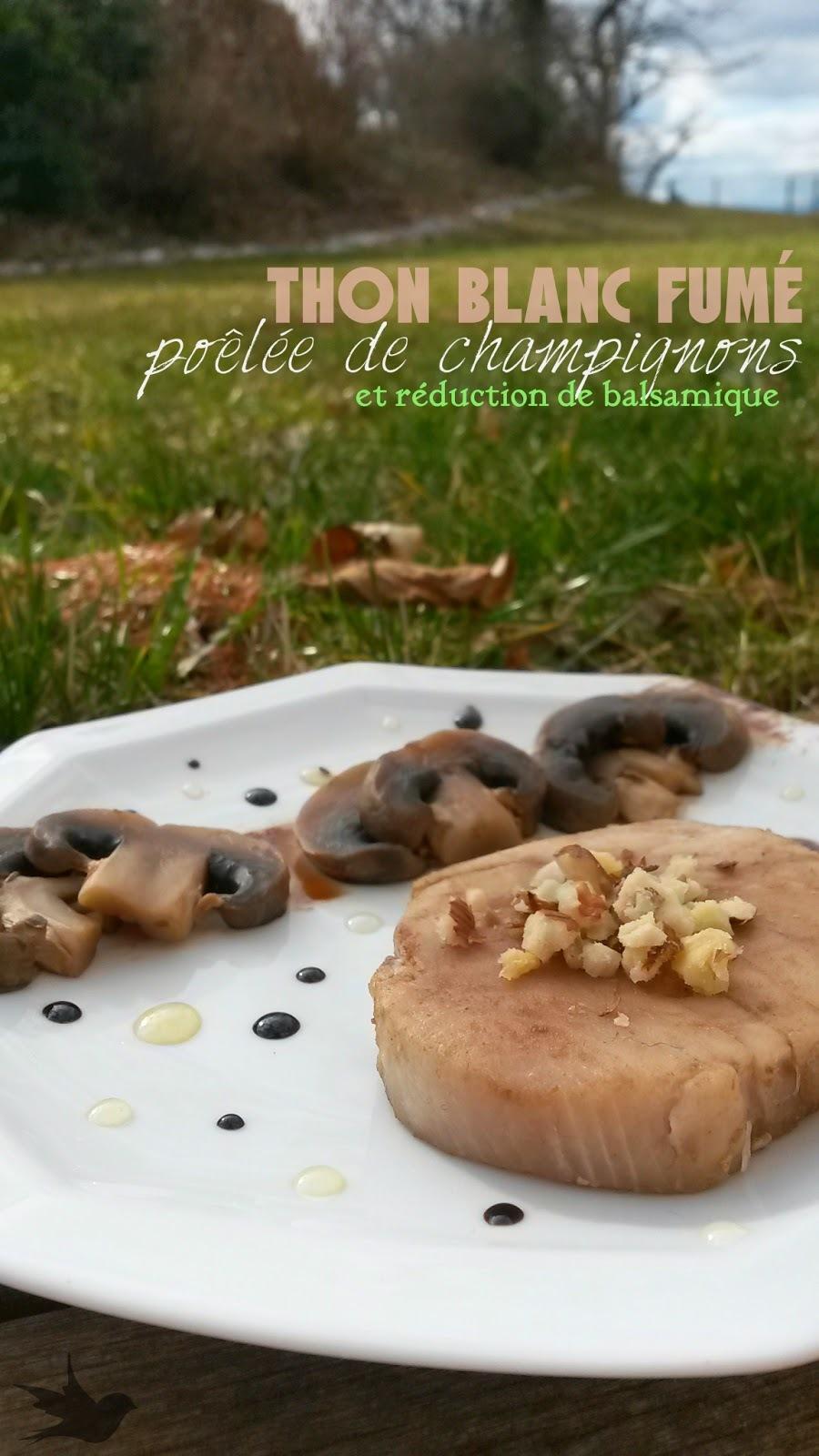 Thon blanc fumé, poêlée de champignons et réduction de balsamique - Un Tour En Cuisine : tour d'une seule couleur : assiette marron