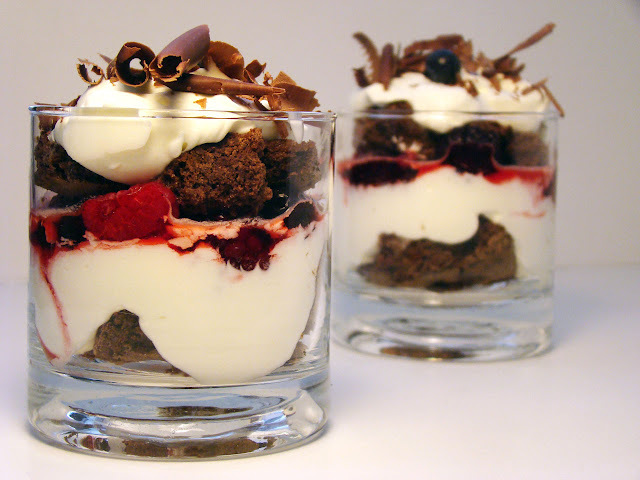 Si sale mal... Postres en Vaso: Chocolate, Crema y Berries