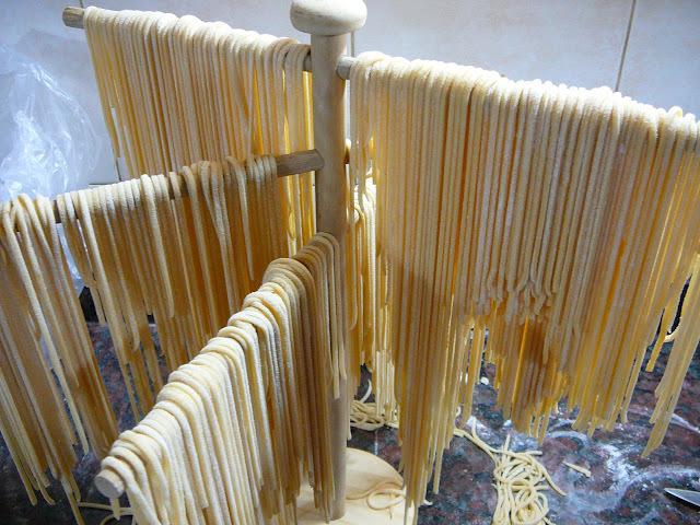 Fideos o tallarines o espaghettis preparados en la panificadora