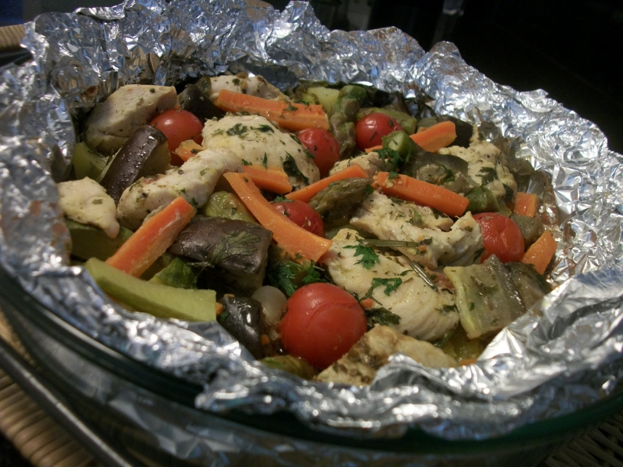 Papelote de frango com legumes