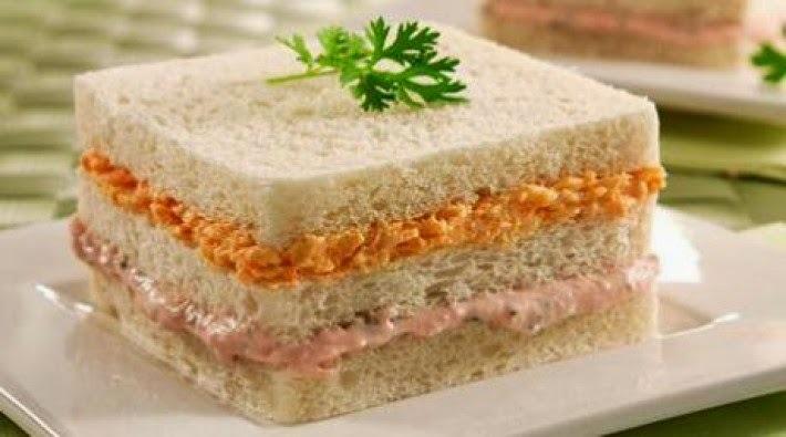 sanduíche gelado de atum