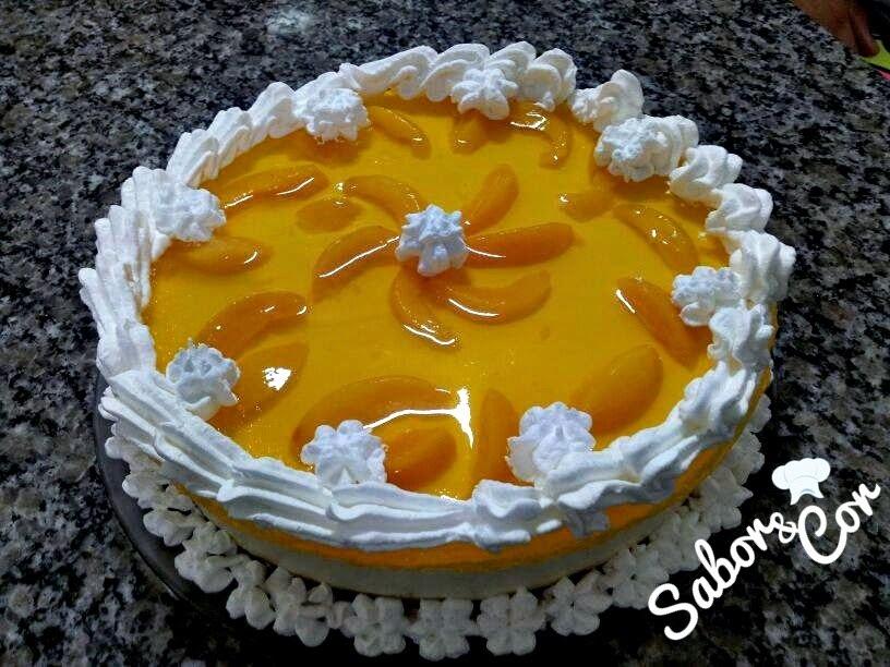 Torta Espelhada de Pessegos com Iogurte de Mel
