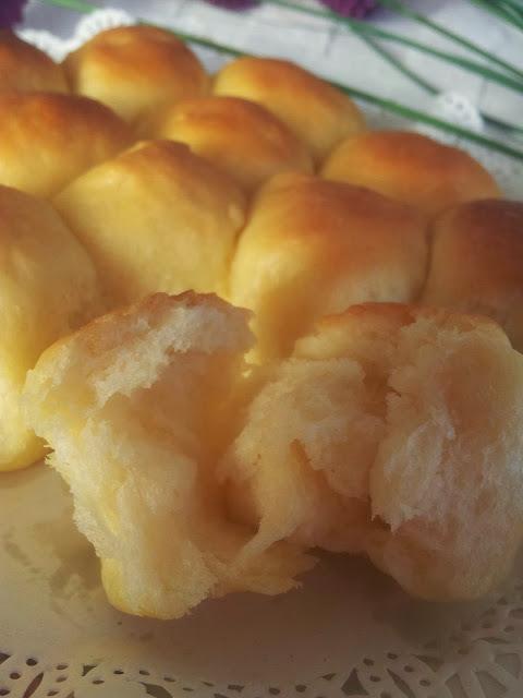 ~~~   Tasty Little Butter Buns ~  牛油小面包   ~~~