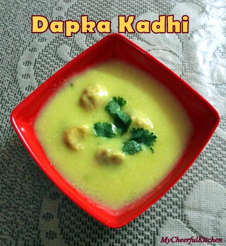 Dapka Kadhi (Steamed Pakoda Kadhi)