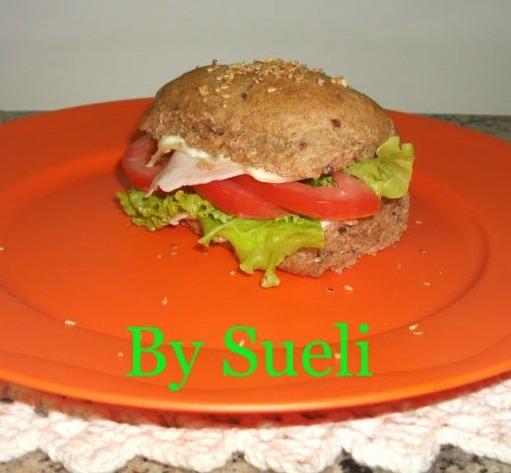 Pão integral enriquecido com grãos: Sueli Felix