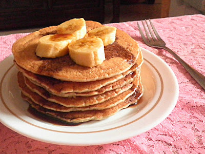 BANANA PANCAKE W/BROWN SUGAR SYRUP