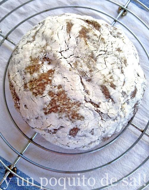 [mi primer pan con masa madre] pan integral de centeno y sésamo negro