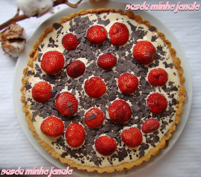 de torta gelada com biscoito de maizena e chocolate