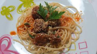 Espaguete com Almondegas