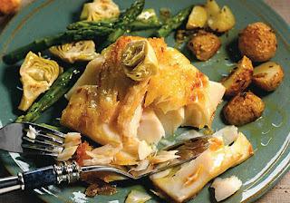 Bacalhau Grelhado com Aspargo, Alcachofra e Azeite com Manjericão