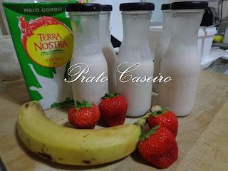 Iogurte líquido de morango e banana