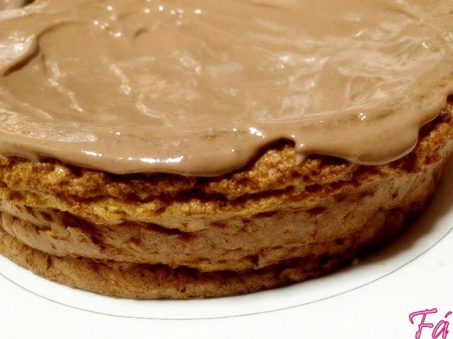 Bolo Dukan com Cobertura de Chocolate