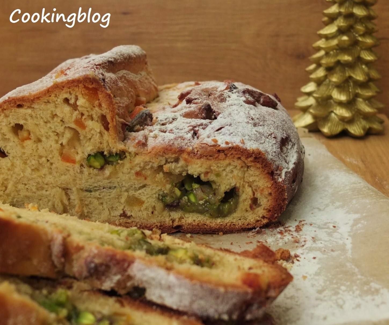 """Stollen"" de Natal com massapão, laranja e pistachios | Christmas Stollen with marzipan, orange and pistachio"