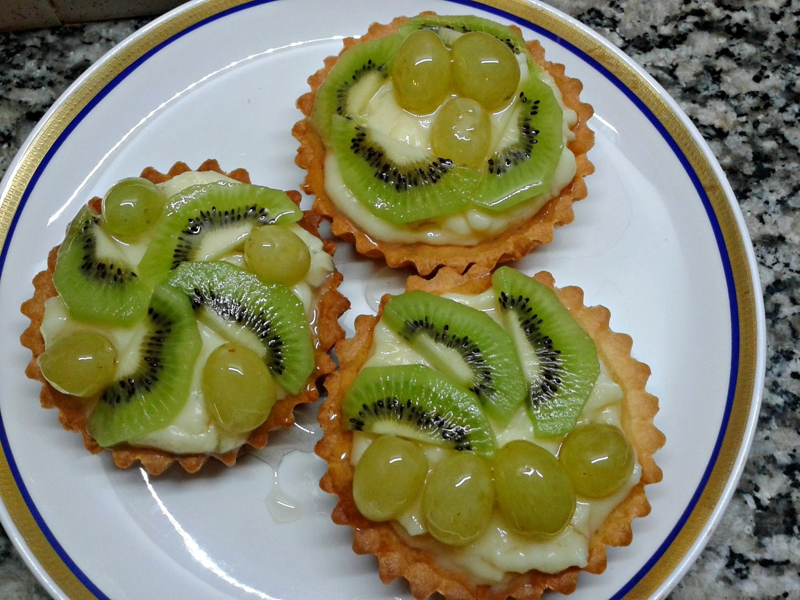 tarta de frutilla y kiwi
